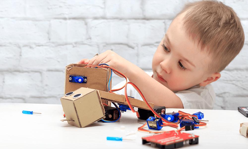 اهمیت تقویت مهارت حل مسئله در کودکان و نقش برنامه نویسی در آن