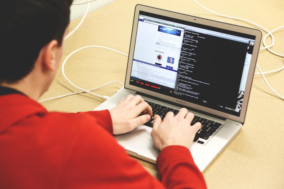 یادگیری زبان برنامه نویسی